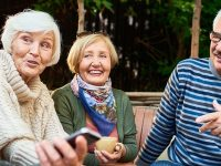 9 daily habits of happy people over 60